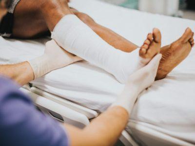 Primeros auxilios en caso de fractura
