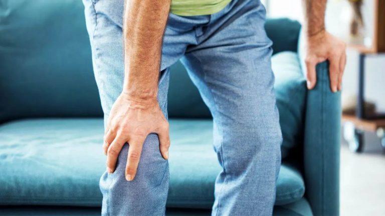 ¿Por qué crujen mis rodillas?